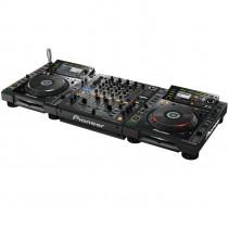 dj mixer pioneer djm 900 und zwei CDJ 2000