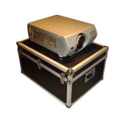 Projektor 6000 Ansi Lumen Beamer auf Case